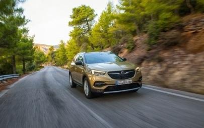 Snažan automobil, moćan agregat: Novi Opel Grandland X sa dizel perjanicom i novim premijum paketom opreme